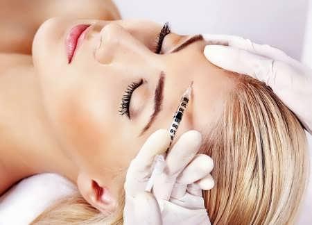 کشیدن پوست صورت با تزریق ژل